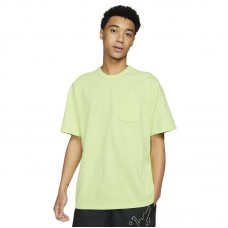 Nike Sportswear Essential Pocket T-Shirt - T-särgid